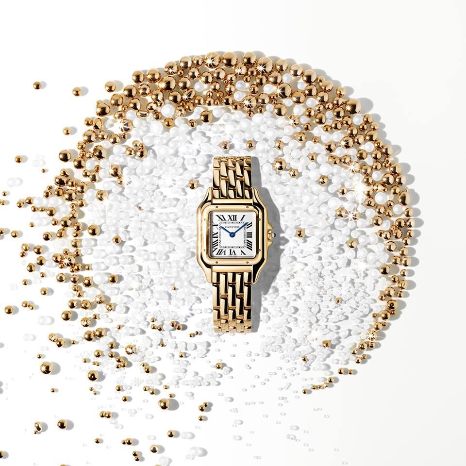 ساعة كارتير الذهبيه